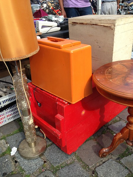 orange sewing machine case at hamburg flohschanze flea market