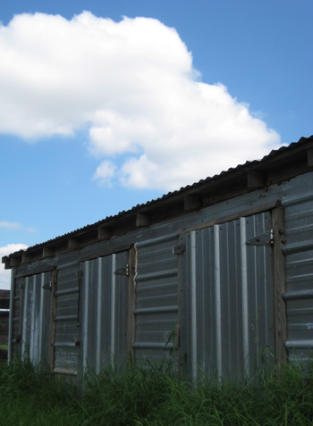 aluminum shed at frying pan park