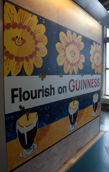 flourish on Guinness: advertisement with flowers (day 14 of the 30 day photo challenge: flowers)