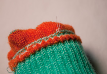stitch buttons to knit: step 7